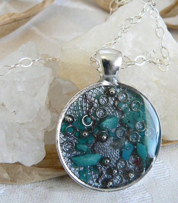 Orgone Positive Life Force Energy Orgonite Pendant - Silver Circle with Turquoise