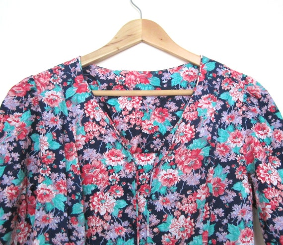 Vintage Floral dress for women in Small/Medium
