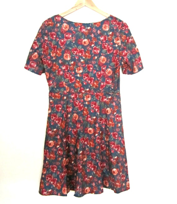 Vintage Floral dress, casual day dress, floral tea dress, floral print dress