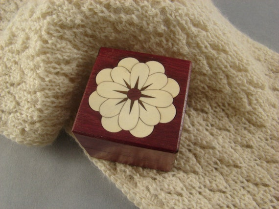 Ring Box of Purpleheart with inlaid white flower of Holly, with Free Shipping and engraving. RB38