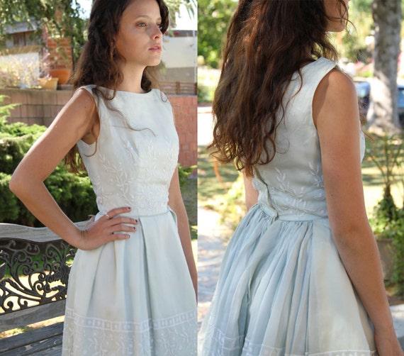 On Sale ... Bridesmaid dress / 1950s Wedding Dress / Pale Mint Green