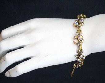 Antique Gold Small Leaf & Vine Bracelet 3017B