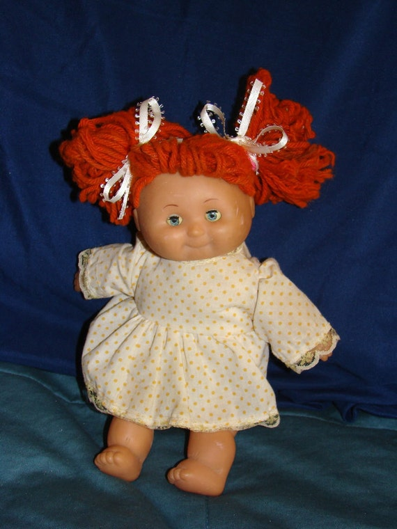 Doll / Cute Little Vintage Doll