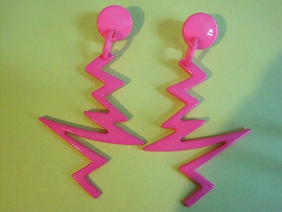 Vintage HUGE Outrageous Hot Pink Lucite 80s Glam Shoulder Duster Lightening Bolt Earrings ZOWWY 80s Halloween costume