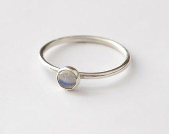 Labradorite Ring - Stackable Sterling Silver Labradorite Ring