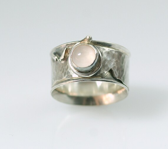Ring - Rose quartz stone on a Sterling Silver Ring - will fit US size 3 3/4 (UK & Australia size G 1/2)