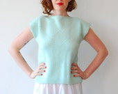 SALE (s-m) mint and pearl pullover top