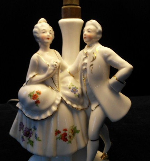 BOUDOIR LAMP Porcelain VICTORIAN  Couple