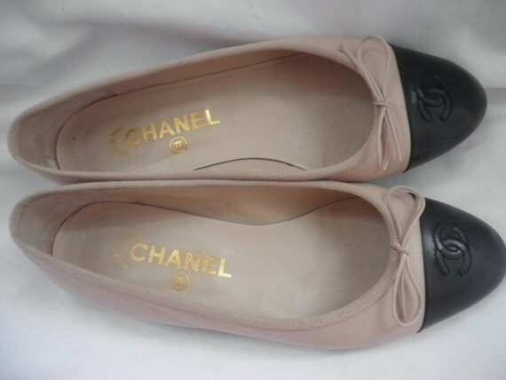 RESERVED for NuyorkDreaming (till Saturday AM) CHANEL Ballet Style Shoes Flats Black tip w/ Beige Leather Size 38 /  8 Made in Italy