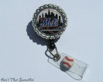 New York Mets Retractable Badge Reel - Baseball Badge Reels - Sports Badge Clips - Fun ID Holders - Gifts Under 10 - Mens Badge Reels