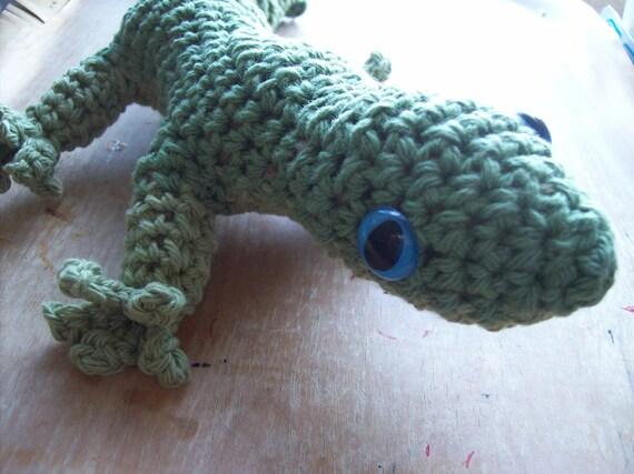 Amigurumi, Big Gecko lizard, One of my Pets.. Natural fibers, Cotton yarn, wool stuffing.