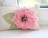 Leather clutch with leather flower art.S31R62