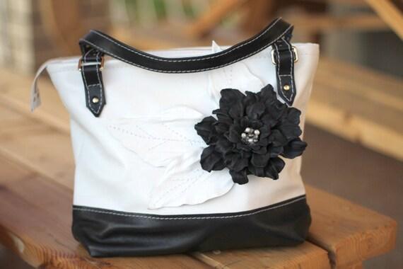 Leather Flower Black White Bag art.S32R21