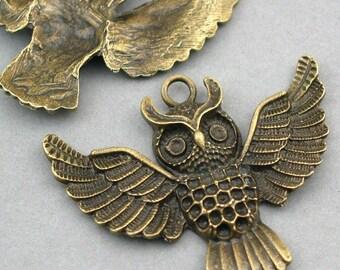 Owl Charms Antique Bronze tone 2pcs base metal Charms 43X50mm CM0097B