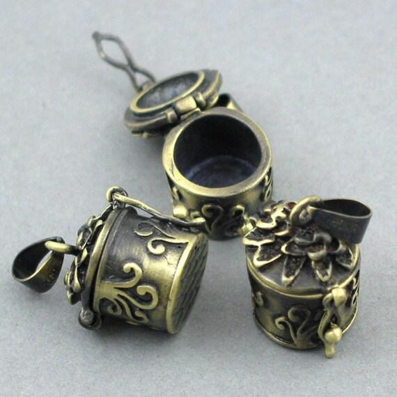 Prayer Boxes Cylinder Brass Lockets Antique Brass tone 2pcs 12X25mm CK0013B