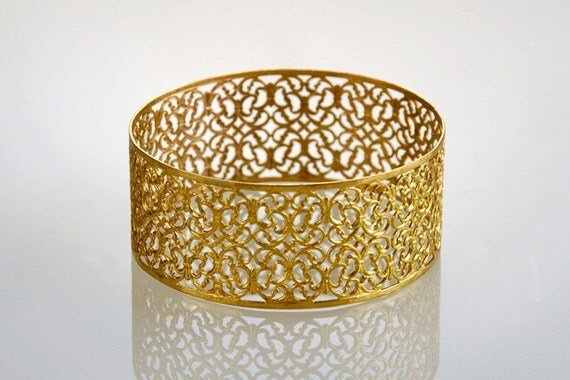 Bridal Bangle , Thick Filigree Gold Bracelet , Lace Pattern Bangle , Filigree Jewelry
