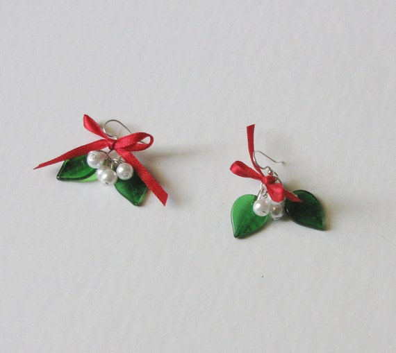 Earring Kit, Mistletoe earrings with glass beads and base metal findings - Include instructions - KIT ONLY, not the finished product
