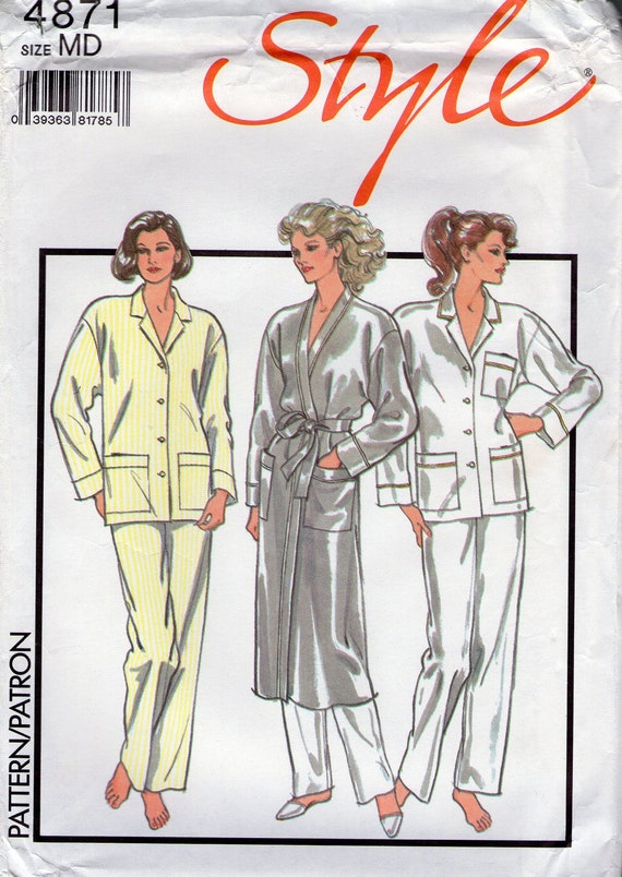 Sewing pattern: Style 4871, ladies womens misses PJs, pyjamas and dressing gown wrap