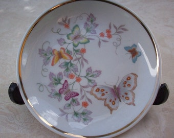 1979 Avon Fine Porcelain Butterfly Plate with Gold Trim  ~  Avon Plate  ~  Avon Collectible