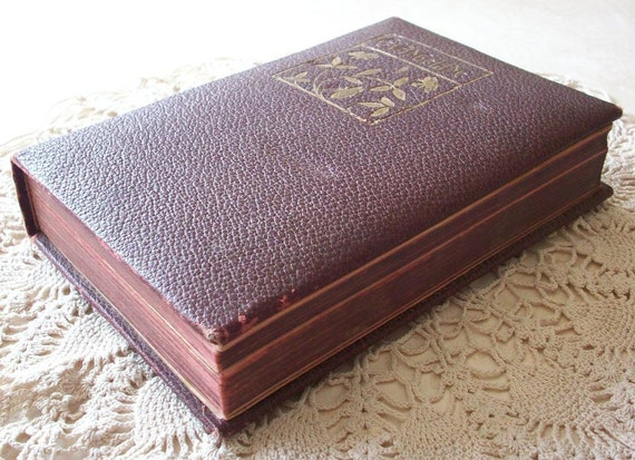 Vintage Maroon Leather Bound Book Evangeline A Tale Of Acadie by Henry Wadsworth Longfellow Published 1900 by A.L. Burt Company  New York