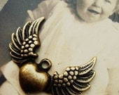 H0604-2 6PCS Antique Bronzed  Heart Angel Wing Charms Pendant Finding with one loop