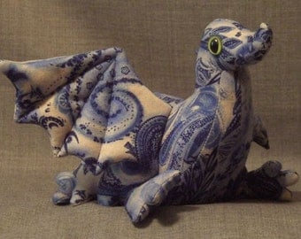 Big Baby Dragon Blue and Cream - Willow Like Pattern