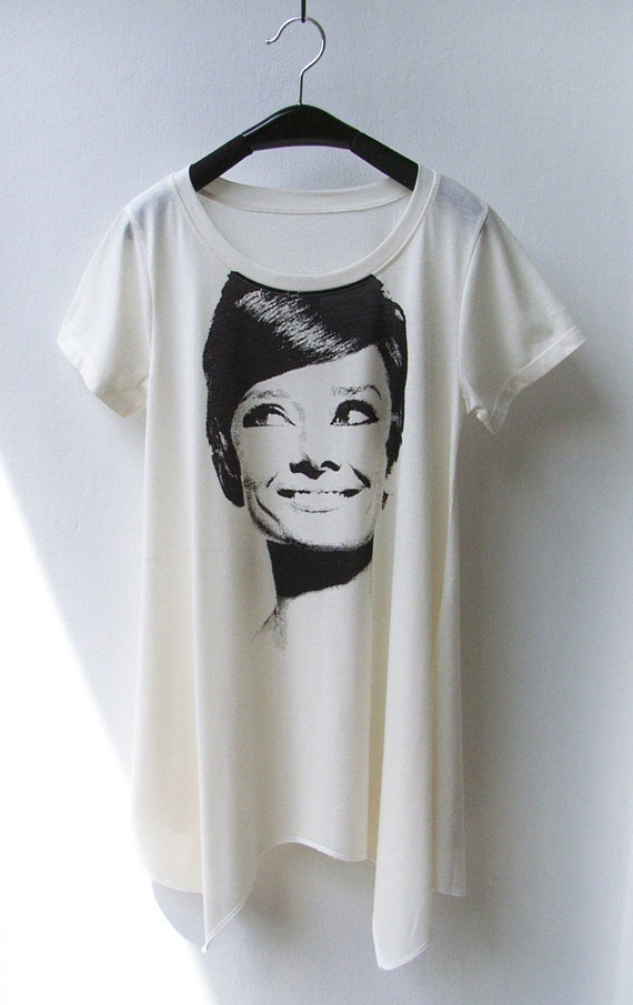 Audrey Smile - Women Asymmetric Long Top T-shirt in Cream