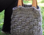 Hobo Purse, Crochet, Gray, Wooden Handles, Chunky yarn