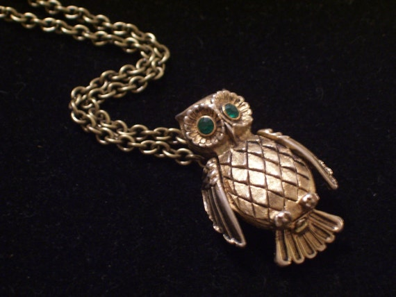Vintage Owl Perfume Locket Pin Pendant Necklace Green Rhinestone Dark Goldtone