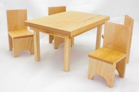 Wood Dollhouse Dining Set - Maple Table and Chairs