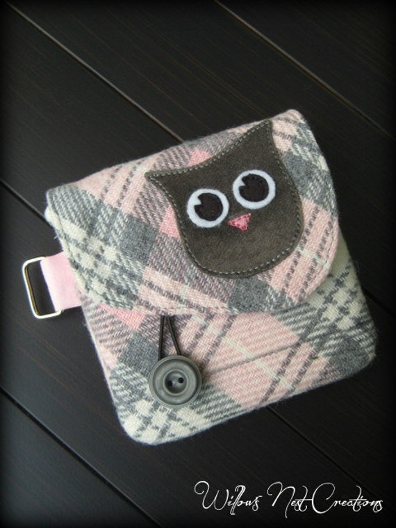 """Gray """"Inquisitive Owl"""" Whimsical Wallet with Vintage Pink and Gray Plaid"""