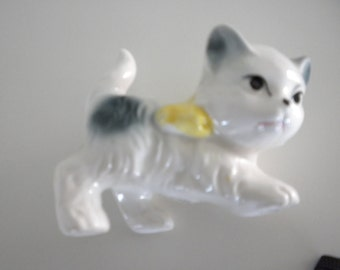 Cat Kitten Figurine White with Grey and a Yellow Bow Ceramic Japan c1960