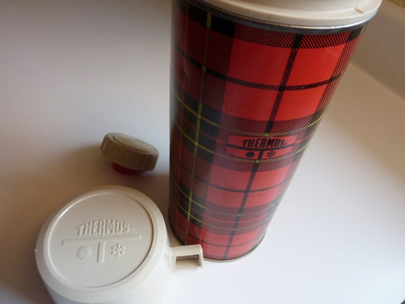 Vintage Red Plaid Thermos 1970's King Seeley Made In USA Norwich, CT Pint Size