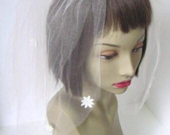 Pretty Pink Vintage Bridal Veil Fascinator with Daisies