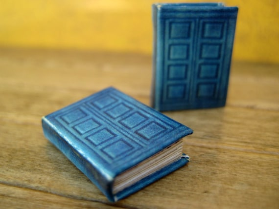 River Song's TARDIS journal in dollhouse miniature: Perfect for Doctor Who fans
