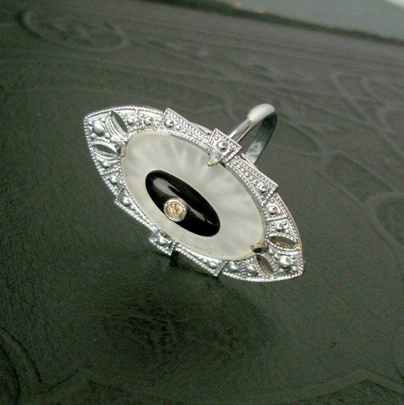 Antique Art Deco Ring . Camphor Glass . Rhodium . Black .