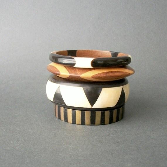 Vintage Bangle Stack . Horn Bone Brass Wood . Collection .