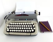 REDUCED Vintage Manual Typewriter, 1970s Smith Corona Galaxie Deluxe, Two Toned Gray, Portable, w/ case