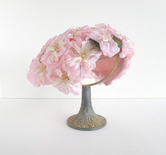 Vintage Floral Hat, 1950s 60s w/ Faux Pink Flowers, Green Leaves, Garden Party, Wedding
