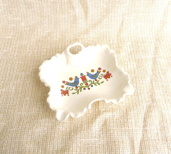 Vintage Pennsylvania Dutch Dish, Small Ceramic Lovebirds Catchall or Nut Bowl