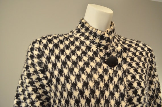 HOLD FOR LINDA          Bill Blass // Houndstooth Swing Coat // 1980s