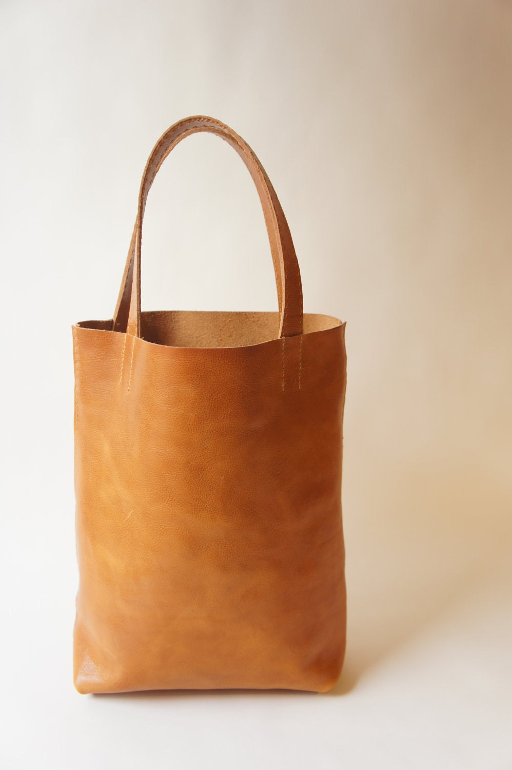 Simple Leather Tote Cognac
