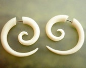 Bone Fake Gauge Bone Earrings White Spiral Tribal Earrings - Gauges Plugs Bone Horn - FG009 B G1