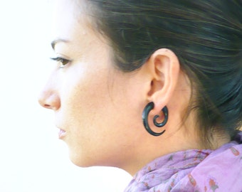 Fake Gauges Earrings Horn Earrings Black  Spiral Tribal Earrings - Gauges Plugs Bone Horn - FG009 H G1