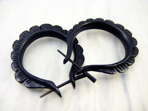 Oval Hoop Handmade Black Horn Post Earrings Tribal Style - Gauges Plugs Bone Horn - PE004 H G1