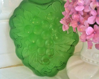 Vintage Green Depression Glass Candy Dish Or Salad Plate Set of 4
