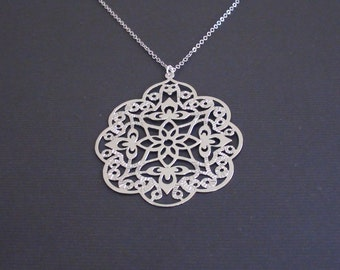 Sale-Oriental Filigree Pendant-16k White Gold Plated Necklace