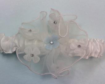 White flower garter