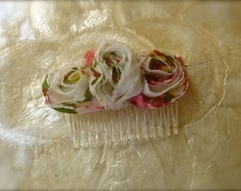 Comb with multi colored roses