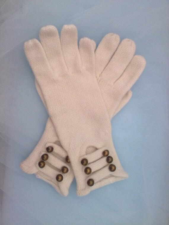 knit ivory vintage gloves
